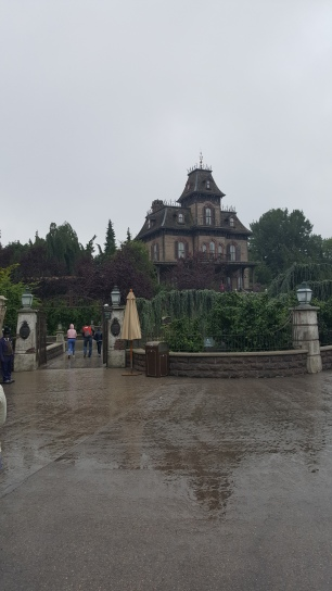 While I was Wandering: Disneyland Paris